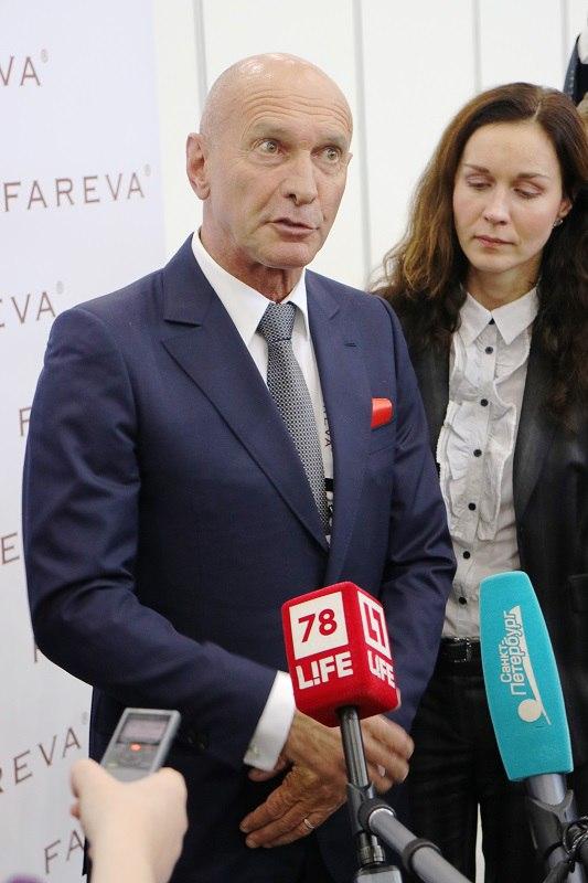 Личный переводчик миллиардера Fareva Bernard Fraisse